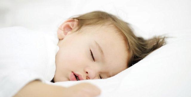 子供 寝かしつけ 眠たくなるツボ