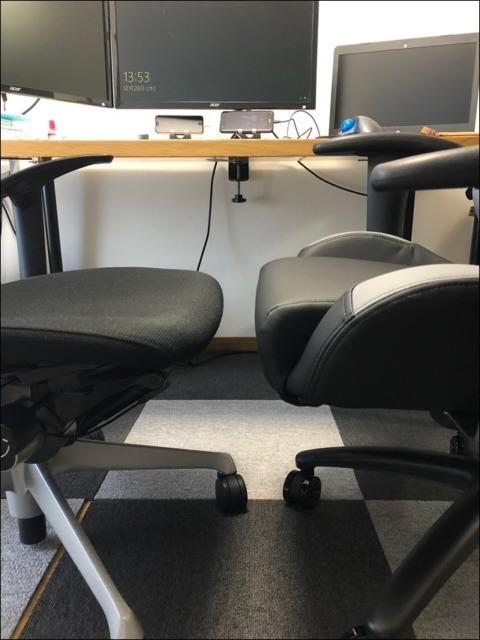 バロンチェアとゲーミングチェアの座面の高さ比較