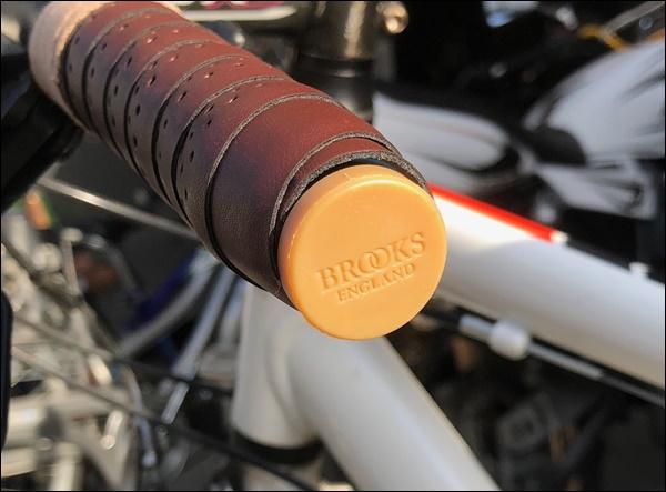 クロスバイクのグリップをバーテープに交換したよ21