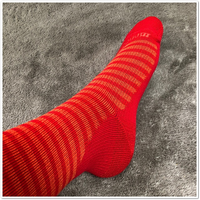 メリノウールの靴下の厚手