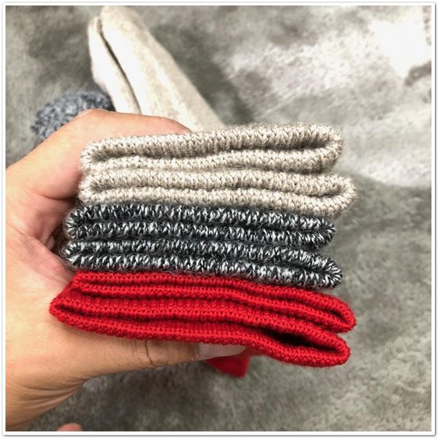メリノウールの靴下の厚み比較