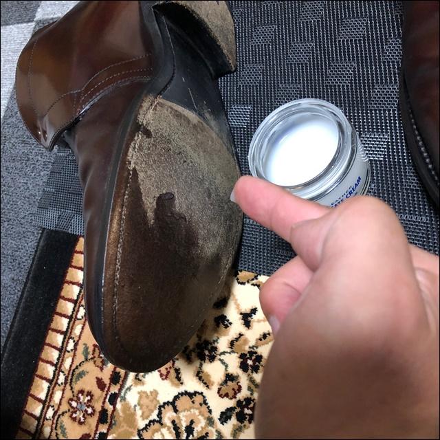 靴底にもクリームを塗ってみよう2