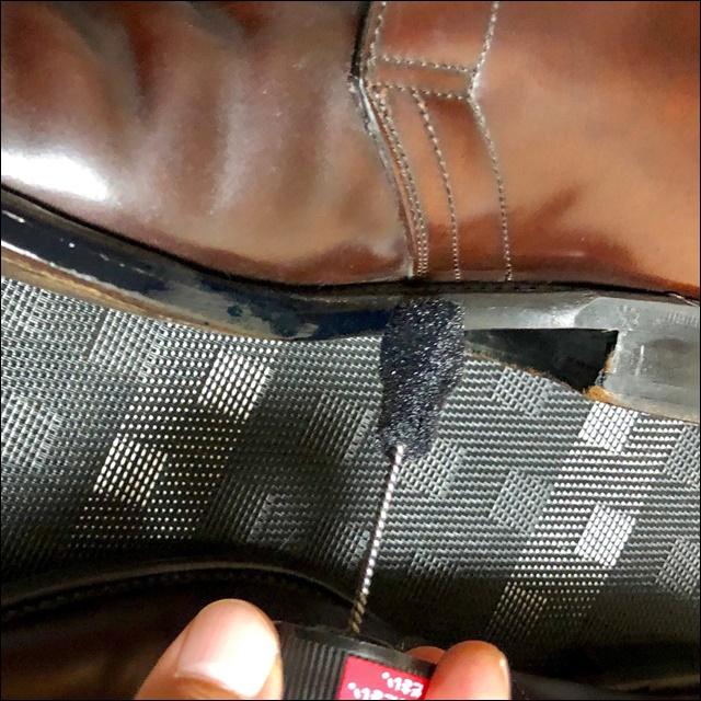 コードバンの革靴にコバインキを塗るよ