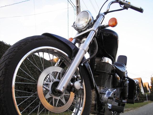 バイクのフロントフォーク周り