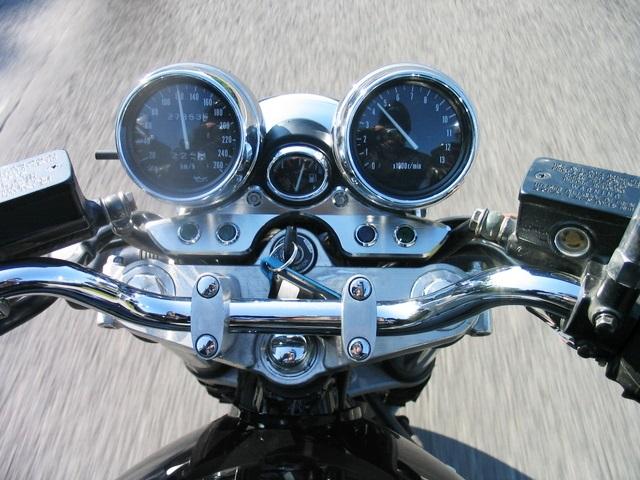 バイクのハンドル周り