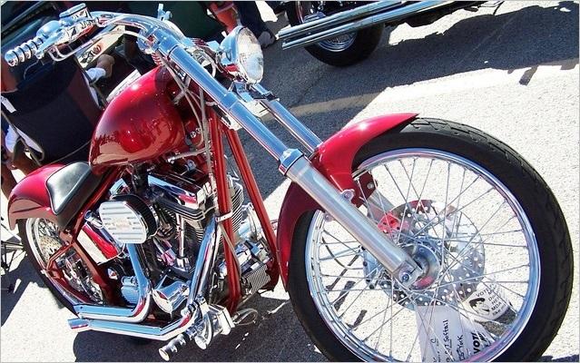 赤いアメリカンバイク
